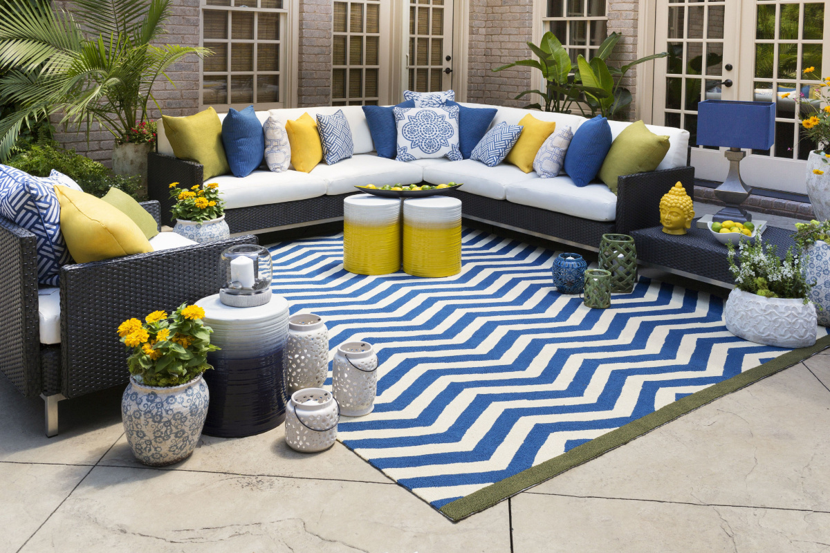 Create a Cozy Outdoor Living Space with Area Rugs